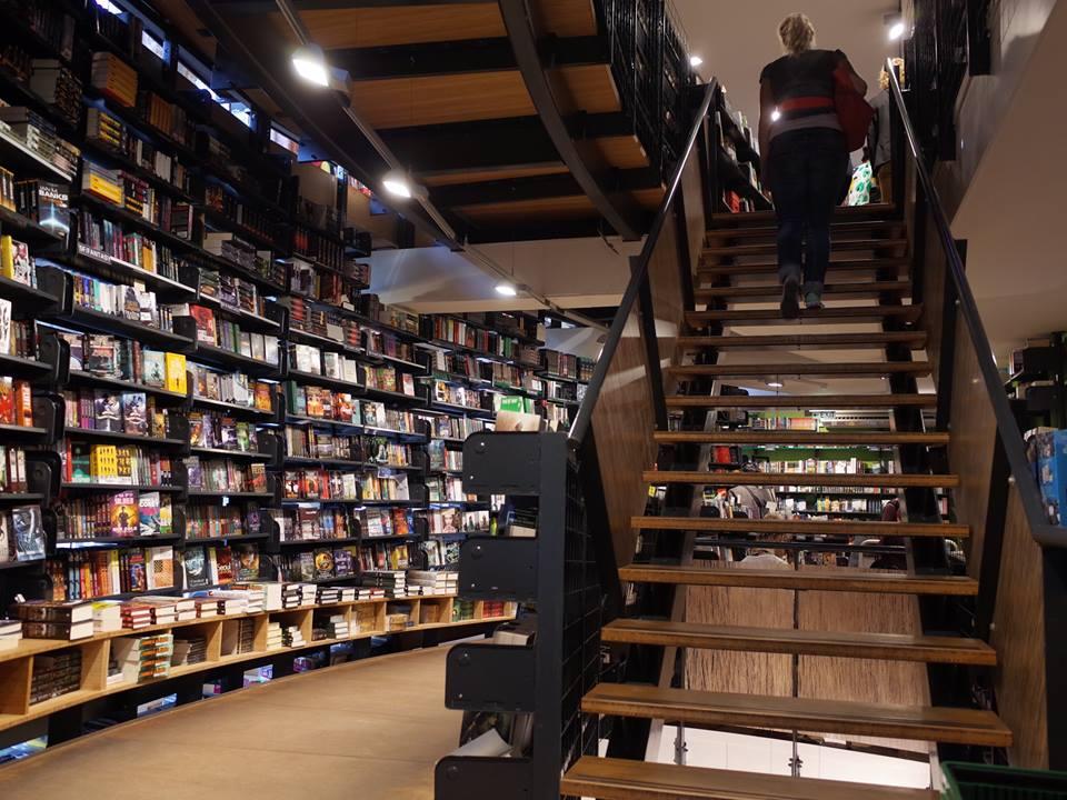 荷蘭最美書店.jpg