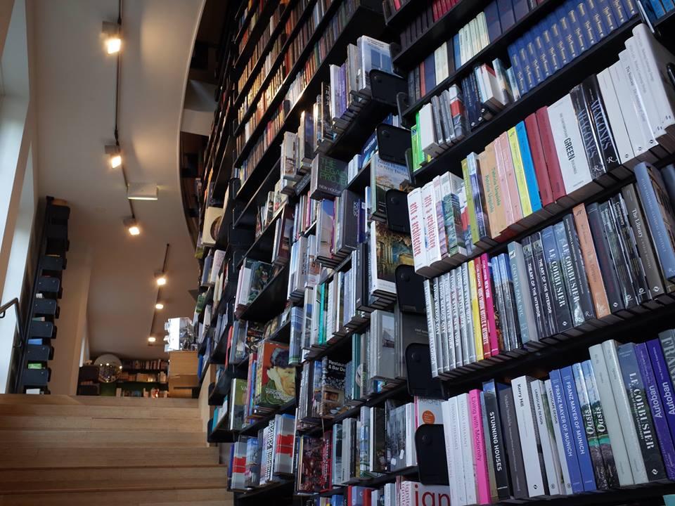 荷蘭最美書店2.jpg